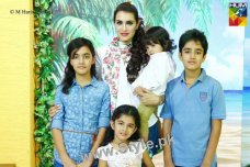 Nadia Hussain is famous Pakistani actress, supermodel, dentist and makeup artist. See Recent Pictures of Nadia Hussain with all her four kids.The post Recent Pictures of Nadia Hussain with all her four kids appeared first on Style.Pk.     #india_pakistan