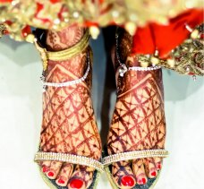 A bride is meant to look beautiful from her head to her toes on her wedding day. Many give a great deal of importance to their face, skin, attire and hair-and rightly so. But when it comes to one's feet… …brides often fall short. 