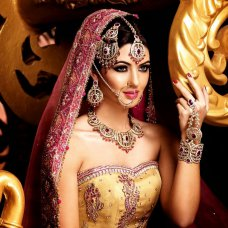 Gorgeous Indian Bridal jewelry #taupe | Saanvi