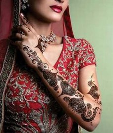 Mehndi Simple Designs Biography Source(google.com) Henna mehndi Designs are more popular than the name of mehndi and seems to be familiar to our culture and eyes. 