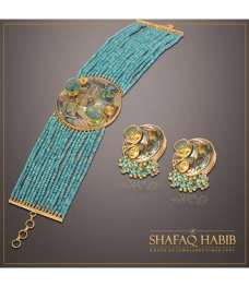 Shafaq Habib House of Jewellery (SHHoJ) is a renowned and trusted label based in Lahore that began its journey in the 80's in New York City where the brand's namesake founder started her career. #Islamiccalligraphy #Gold #Pakistan #Diamond #Jewellery