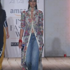 Theres something a lot of Indian designers seem to be struggling with latelyan attempt to reconcile their Indian selves with their global ones. #IndiaFashionWeek #AnamikaKhanna #Amazon.com #Summer #Fashion