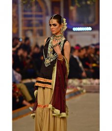 Samreen Vance House of Jewels offers signature jewellery that is the perfect combination of western craftsmanship and oriental aesthetics. #Jewels(mixedmartialarts) #Fashionshow #Aesthetics #Gemstone #Jewellery