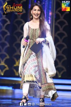 The recent Hum Awards leave the fans discussing about each and every detail of the awards. from the best dressed celebrities to worst dressed, the bloopers to the disasters in the award function and many other gossips are heard around the showbiz town. Best Dressed Celebrities at 4th Hum Tv Awards: Hamza Ali Abbasi: he […]The post Best dressed Celebrities at Hum Awards appeared first on Style.Pk.     #india_pakistan