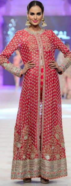 To order it's replica,kindly email at pehrwaas@gmail.com. Pakistani Dresses, Bridal Week, Bridal Wear, Pakistani Bridal, Pakistani Bride, Indian Dresses, Complain, Paris Bridal 6 comments rstyle.  #Paris