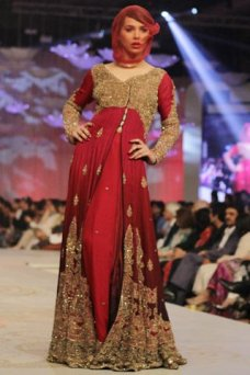 Heavy Dresses, Bridal Dresses, Pakistanifashion Bridalcouture, Bridaldress Pakistanibridal, Bridal Fashion, Eastern Dresses, Pakistani Fashion, Dresses For Women HSY Collection marked the end of the three days extravaganza of Pantene Bridal Couture W. 