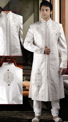Pakistani groom prefer to wear white sherwani on their wedding day. have a look at the latest fashion of white sherwani 2014 for Pakistani groom. The post Fashion Of White Sherwani 2014 For Pakistani Groom appeared first on . #india_pakistan #black | Style PK