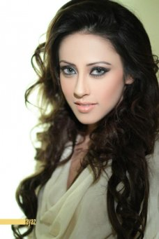 watch this exclusive photo Top 5 Pakistani actresses who can conquer Bollywood.. #Bollywood