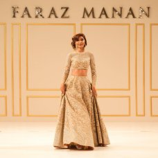 Imperial - Amber Gold @farazmanan #Bridal #hautecouture #mydubai #dubai #lahore #love #gold #fashion #instabride #redcarpet #imperial #classic #fusion #rich #ig #instafashion #paris #farazmanan #farazmananshow #farazmananmiddleeast #wedding #handmade #royal #beautiful #model @kiranmalikk #jewellery @neemarjewels #photo @harethtayem