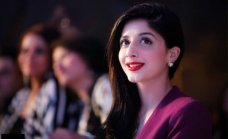 Mawra Hocane is a leading and beautiful Pakistani actress. These days, its a news that Mawra Hocane heading to Bollywood industry soon.The post Mawra Hocane Heading To Bollywood Industry Soon appeared first on . #black